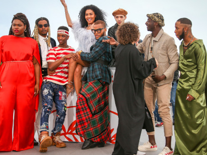 """Cannes You Feel It? Lenya Bloom And The Cast Of """"Port Authority"""" Get Litty At Film Festival Photocall"""