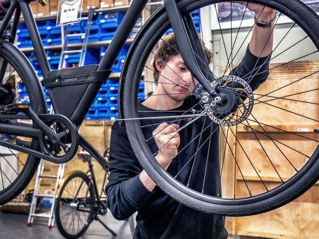 Hippe fietsenmaker VanMoof haalt nog eens miljoenen op