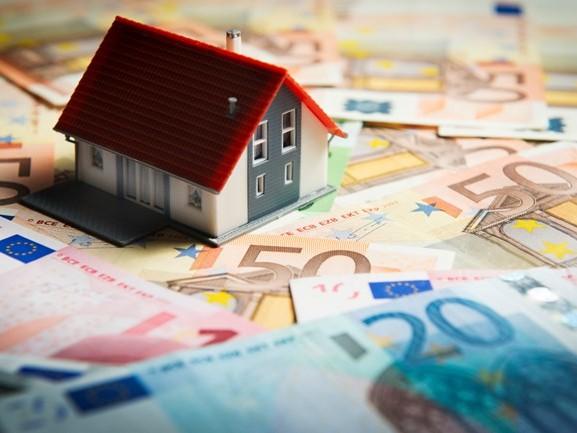 'Al 90 euro kwijt en nog geen huis', Niels start petitie tegen kosten van websites voor huurwoningen