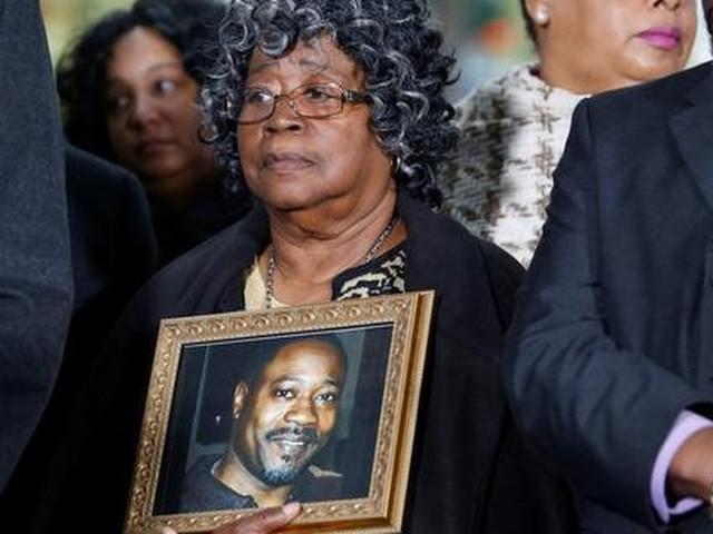 Agent twintig jaar de cel in voor doodschieten zwarte man