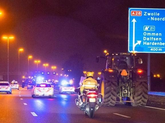 Overijsselse boeren trekken in colonnes naar Den Haag