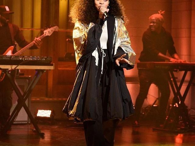 "Ella Mai Performs ""Boo'd Up"" & ""Trip"" on 'SNL'"