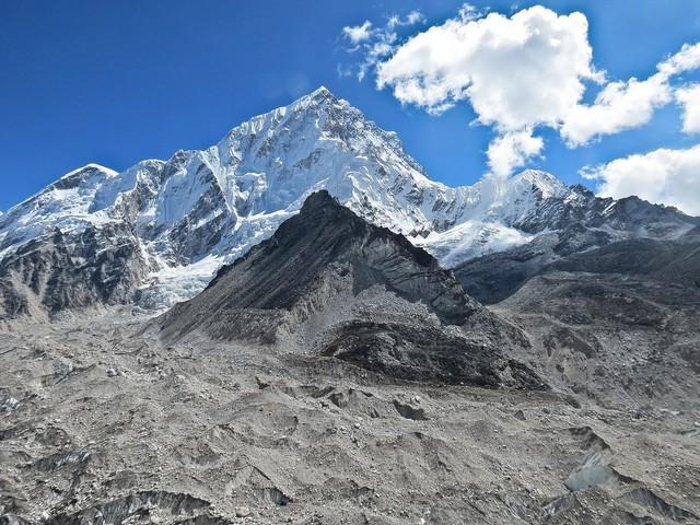 Voor 800 euro wandel je naar het Mount Everest Base Camp en via deze mensen regel je dat