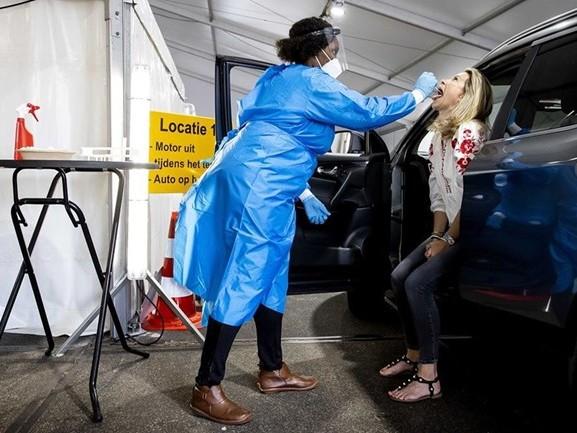 Corona-teststraten in IJsselland 's middags dicht tijdens tropische hitte