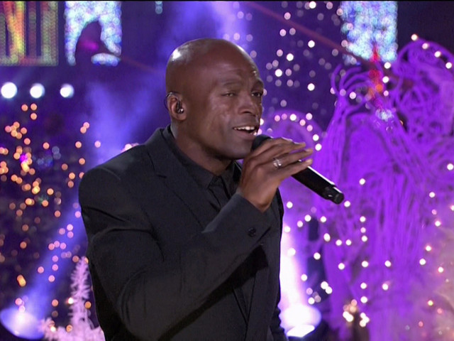 "To Get Your Christmas Spirit Going: Seal Sings ""Let It Snow"" On The Late Late Show With James Corden [Video]"