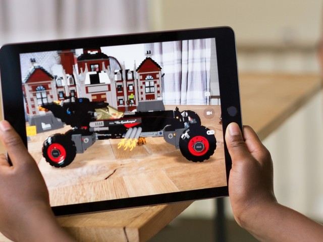 'Apple praat met partners over ontwikkeling eigen AR-bril'