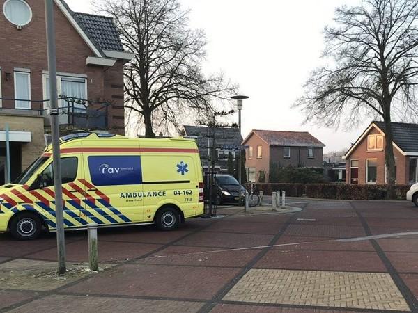Fietser gewond naar ziekenhuis na aanrijding in Nieuwleusen