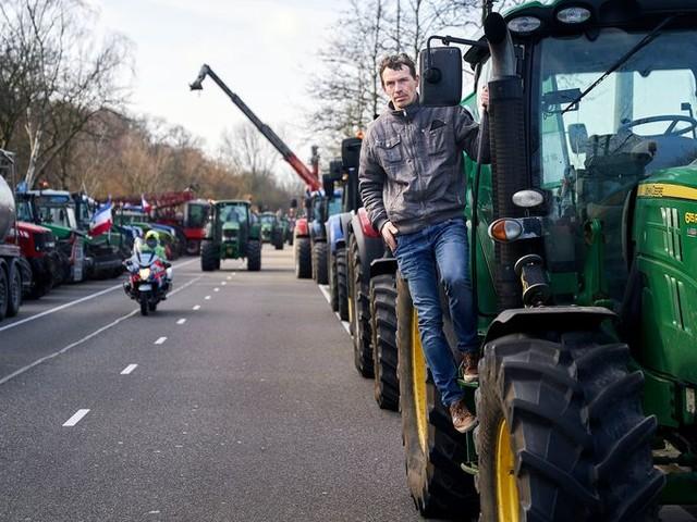 Met boer John Eijkelenboom 'optoeren' naar Den Haag