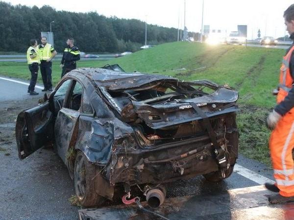 Auto slaat over de kop op A28 bij Staphorst, bestuurder met de schrik vrij