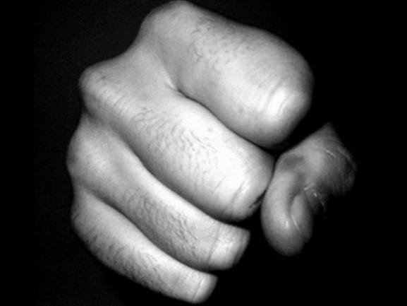 Politie stelt medewerker op non-actief vanwege huiselijk geweld
