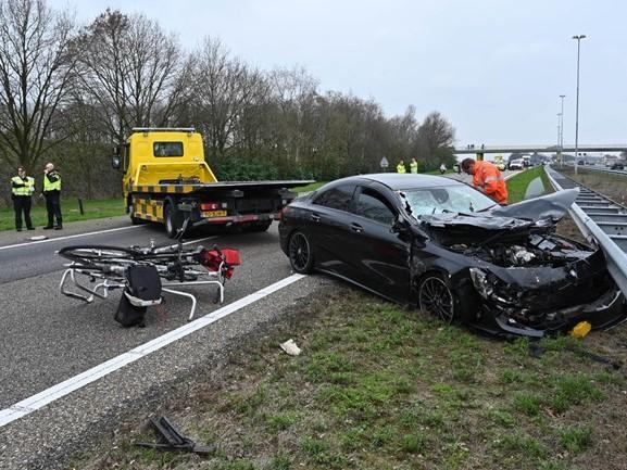 A58 dicht tussen Breda en Tilburg na ongeluk met meerdere auto's
