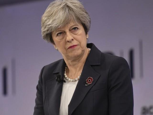 'Britse parlementsleden eisen ontslag May'