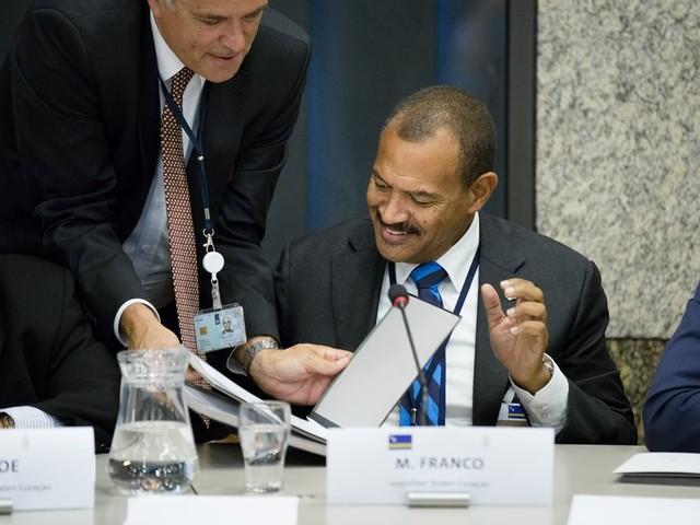 Regeringscommissaris Franco moet op Sint-Eustatius twee kanten op vegen