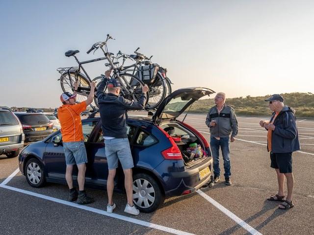 De oplossing voor de logistieke chaos in Zandvoort dit weekend: de fiets