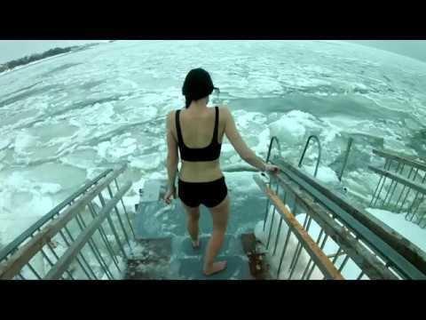 Waarom zou je gaan ijs-zwemmen in Finland?