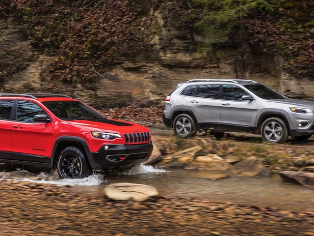 2019 Jeep Cherokee debuts its new face and turbocharged engine