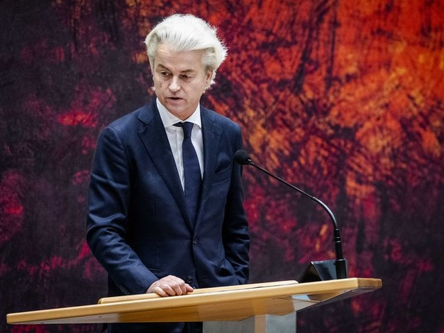 Op veilige afstand van coronacomplotten voert Wilders zijn radicale strijd tegen de islam
