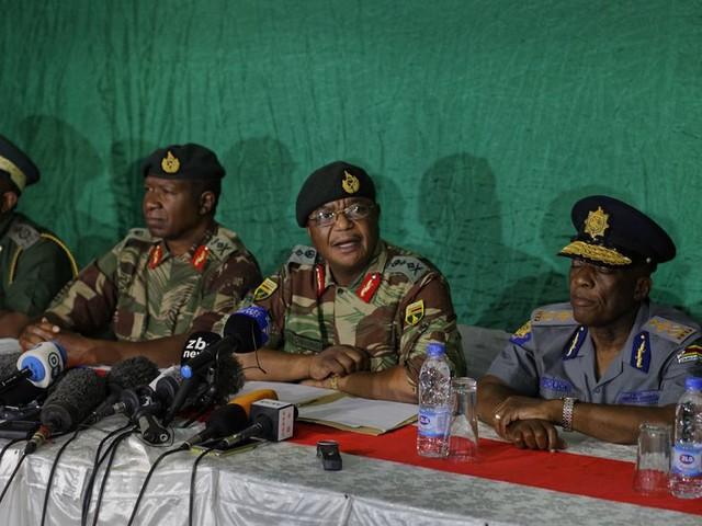 Generaals: Mugabe gaat praten met tegenstrever Mnangagwa