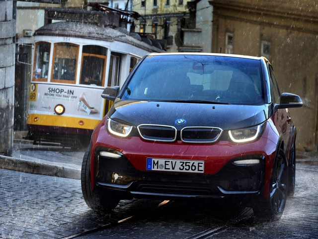BMW's new traction control system is 50 times faster