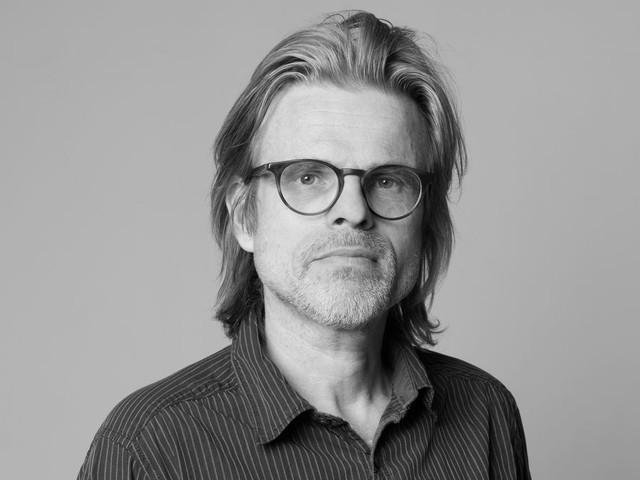 Rob van Essen wint Librisprijs 2019 met zijn roman met 'bizarre invallen en groteske wendingen'