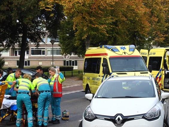 Fietsster zwaargewond na aanrijding met auto in Eindhoven