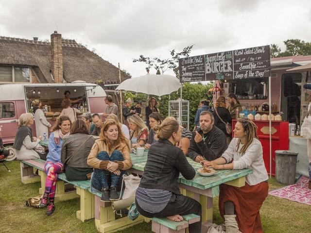 Happy Spirit Days: Festival over yoga en voedsel