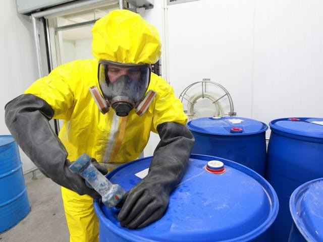 Toezichthouder speelt kat-en-muisspel met chemiebedrijven