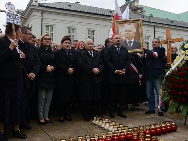 W Warszawie po raz 90. upamiętniono ofiary katastrofy smoleńskiej