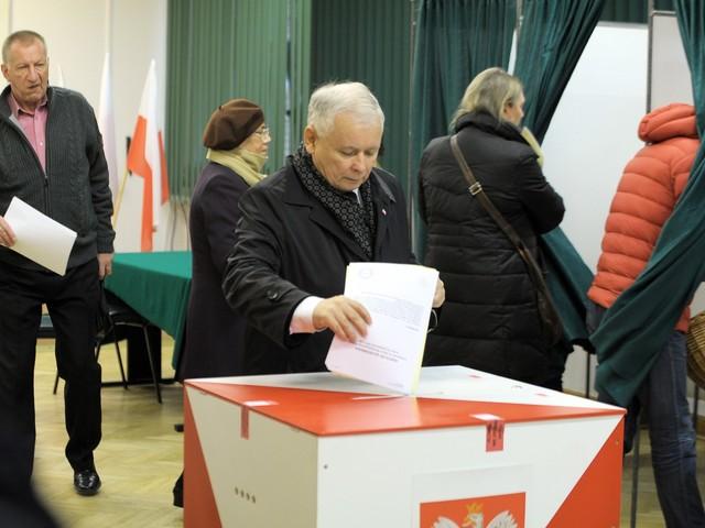 Wybory samorządowe z lepszymi zabezpieczeniami. Za specjalne naklejki zapłacimy 11 milionów złotych