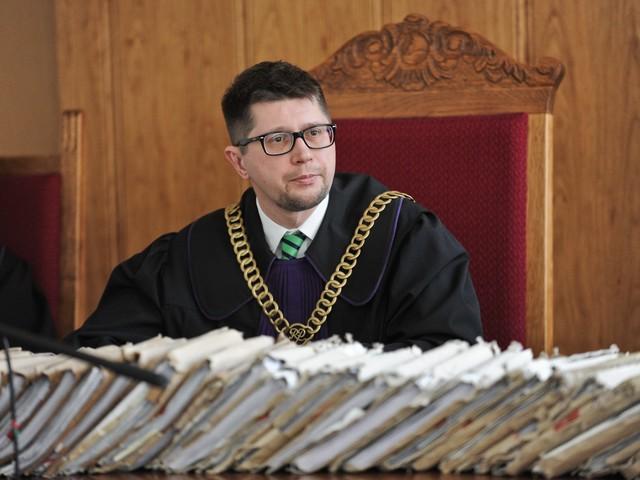 Co dalej po decyzji Łączewskiego? Inny sędzia wysyła go na badania psychiatryczne
