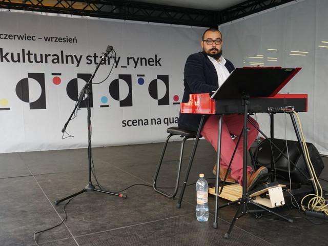 Nowowiejski na organach Hammonda - koncert na Starym Rynku w Poznaniu [ZDJĘCIA]