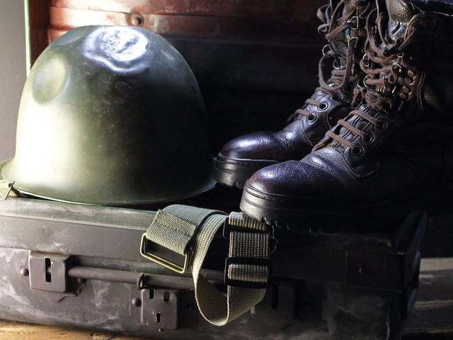 Agencja Mienia Wojskowego organizuje wyprzedaż. Do nabycia sprzęt wojskowy, narzędzia i instrumenty muzyczne