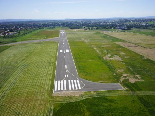 Lotnisko w Krośnie ma coraz śmielsze plany. Stawia na biznes i turystykę