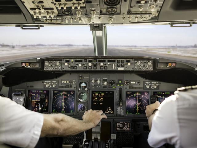 Piwo w kabinie pilota zszokowało pasażerów linii Jet2. Firma przeprowadziła śledztwo