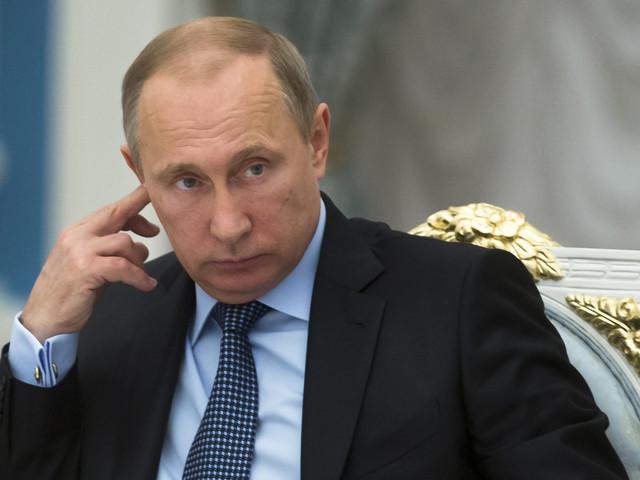 Rubel się posypał. Ceny ropy i sankcje uderzają w Putina