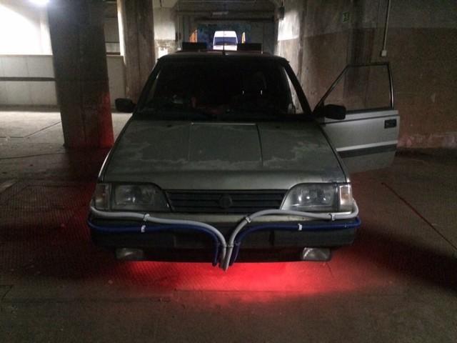 Prawie jak DeLorean. Budżetowy wehikuł czasu do kupienia