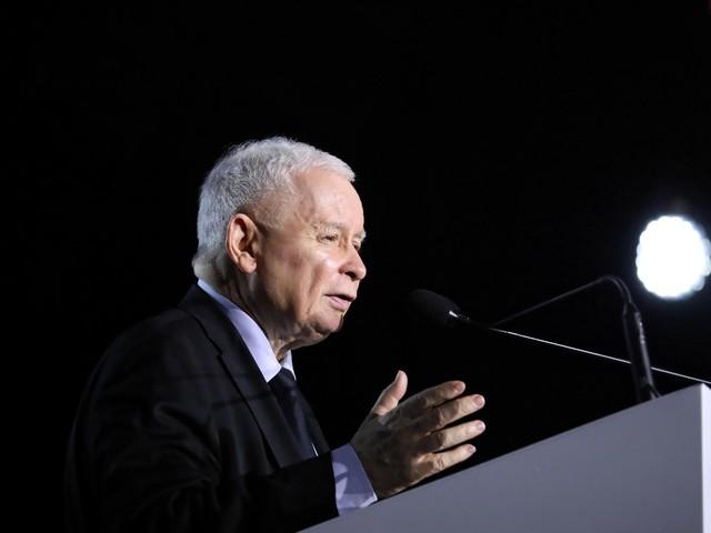 Afera mailowa. Jak Polacy oceniają działania Kaczyńskiego? Najnowszy sondaż