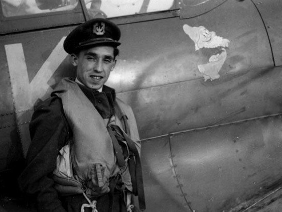 Muzeum Brytyjskich Sił Powietrznych organizuje plebiscyt na najlepszego pilota RAF. Dzięki polskim internautom Franciszek Kornicki ma najwięcej głosów!