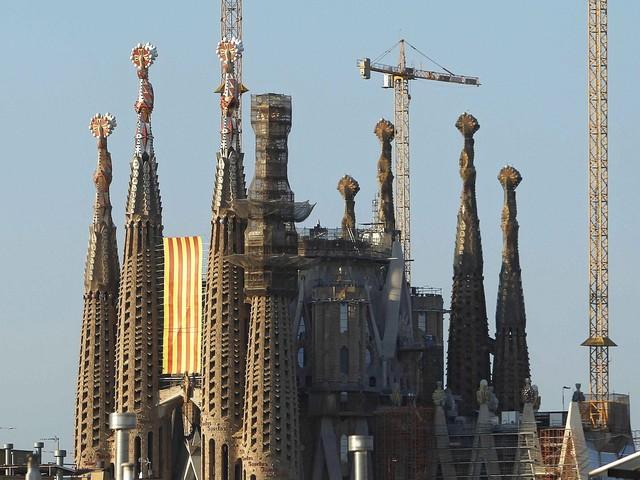 """Mieli użyć """"matki szatana"""", celem słynna katedra. Plany zamachowców z Barcelony"""