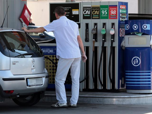 Na stacjach znów podwyżki cen paliw. Zobacz, za ile zatankujesz
