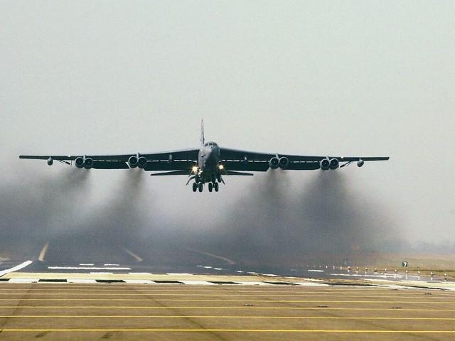B-52 nad Polską. Być może przeleciał nad twoim dachem