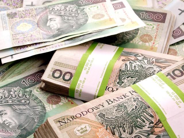 Znalazł 100 tysięcy złotych. Nie przywłaszczył ich