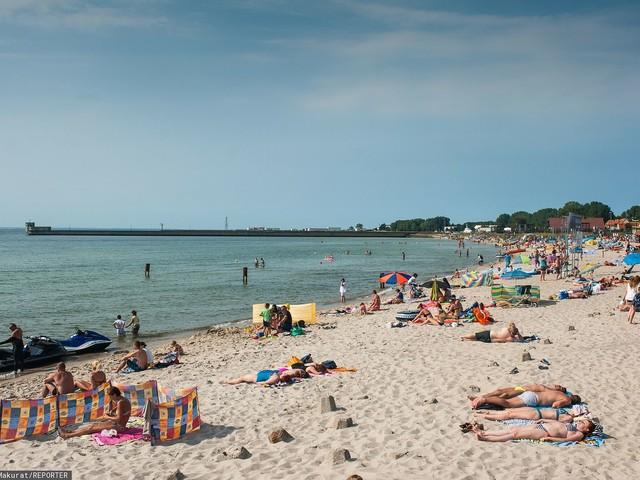Potężna trąba wodna nad Bałtykiem. Turyści uciekali z plaży na Helu