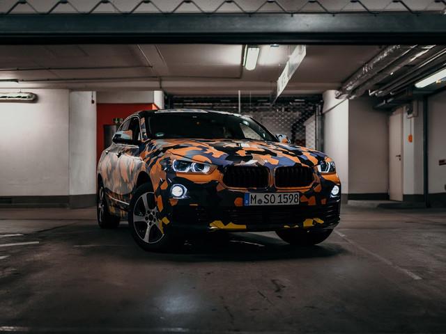 BMW X2 w kamuflażu na oficjalnych zdjęciach