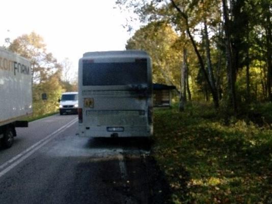 Zachodniopomorskie: Zapalił się szkolny autobus. W środku były dzieci