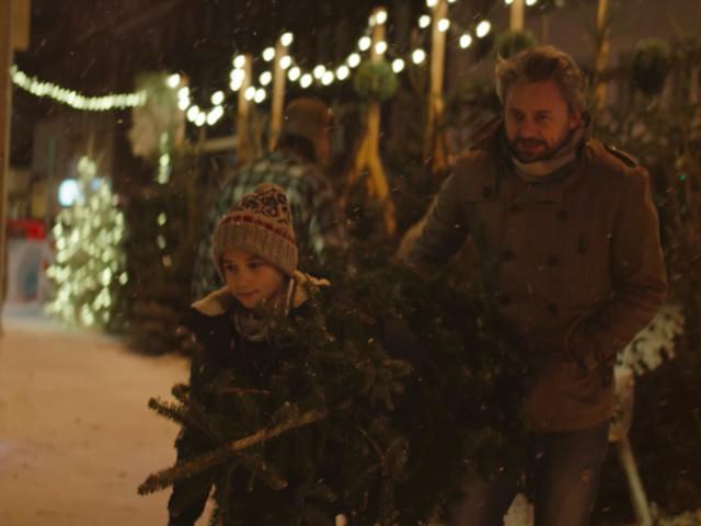 Jako jedni z pierwszych widzieliśmy świąteczną reklamę Allegro. Coś zupełnie nowego