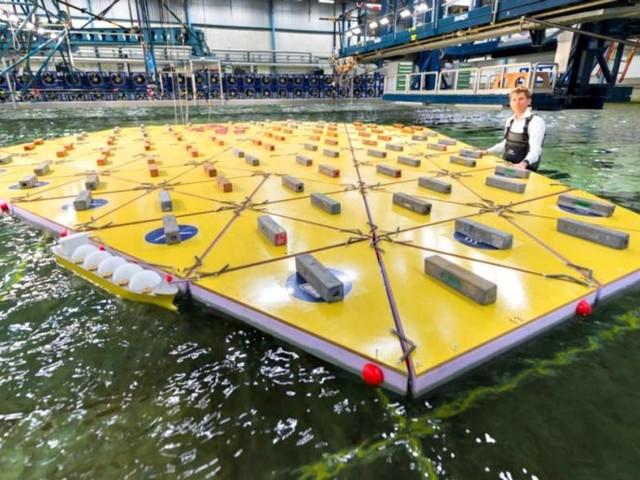 """Duńczycy testują swoje """"pływające wyspy"""", jako sposób na przeludnione miasta. Czy tak będą wyglądać domy przyszłości?"""