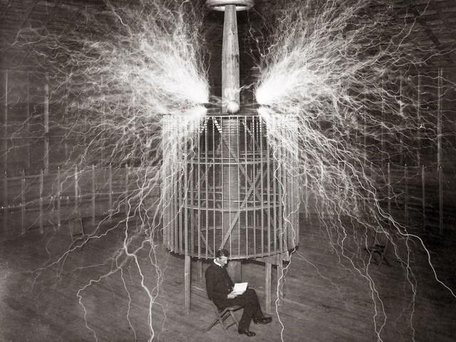 Maszyna cząsteczkowa. Tesla chciał stworzyć najpotężniejszą broń