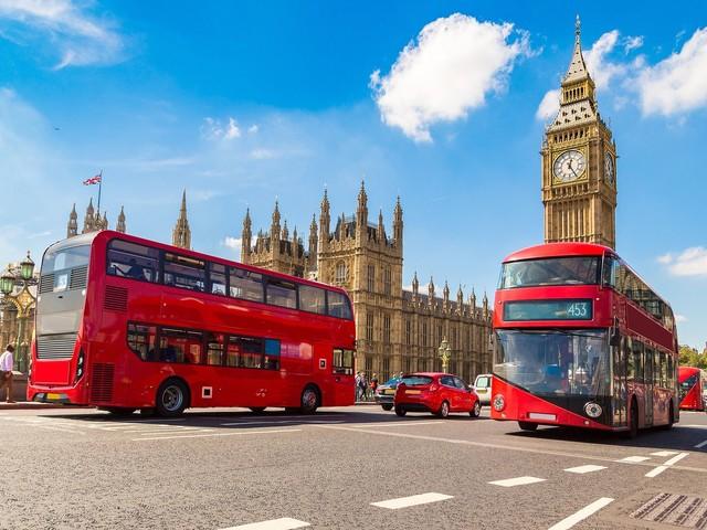 Anglia zmienia zasady wjazdu. Koniec z drogimi testami PCR