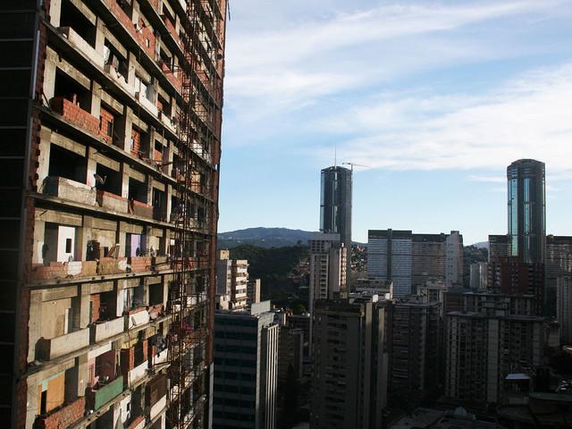 """""""Piracka utopia"""" - wieżowiec, który stał się największym slumsem świata"""